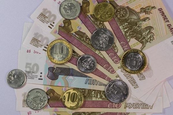 Расходы российских семей сократились на 2% в марте - социологи. 27009.jpeg