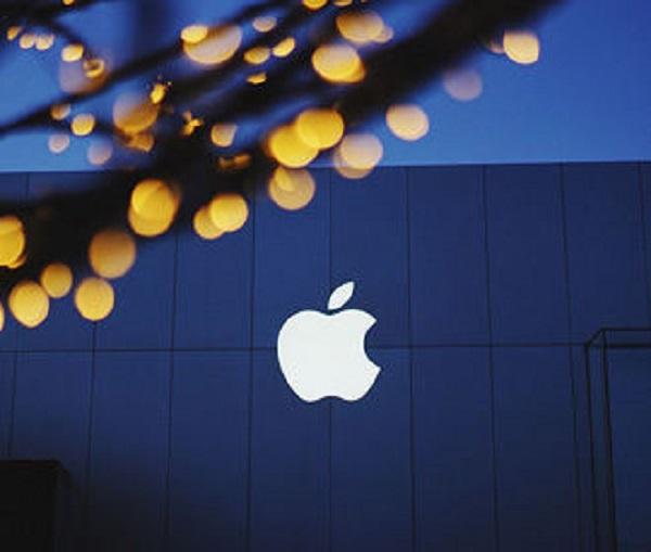 Сенатор  Америки выступила за лишение  компании Apple  магазина App Store. 27012.jpeg