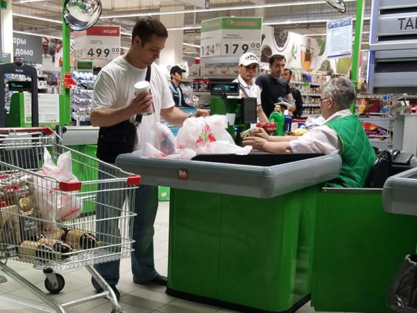 Россияне стали больше тратить в магазинах