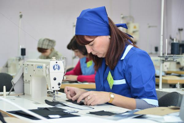 Минтруд вновь сократил перечень запрещенных для женщин профессий. экономика, минтруд, профессия