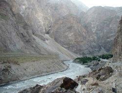 Узбекистан и Таджикистан: газовое оружие против водного