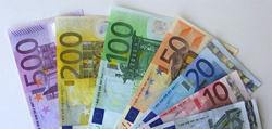 Курс евро упал на фоне встречи в Минске