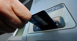 Сбербанк  не оставит свои терминалы без мелких купюр