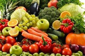 Центробанк сообщил о подешевении в России продуктов питания