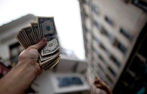 Россияне взяли девять ипотек в валюте в январе 2015 года