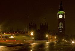 Эксперты ухудшили прогноз роста экономики Британии и ждут рецессии