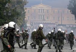 Денег у Греции хватит до середины декабря