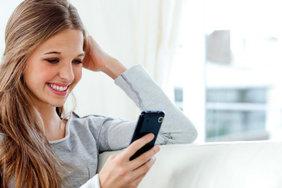 В России женщины чаще, чем мужчины берут кредиты на покупку смартфона