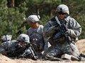Эксперт об армиях РФ и США: Солдаты не деньгами воюют, а автоматами и танками