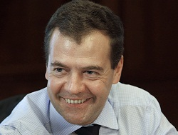 Медведев обещает пользу от ВТО через 5-10 лет