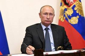 Путин увеличил размер минимального пособия по безработице до 4500 рублей