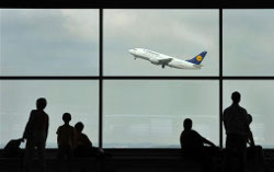 Авиакомпании критикуют углеродный налог