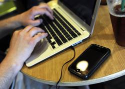 Yahoo планирует сократить количество своих сотрудников на 15%