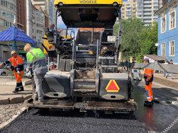 В Липецкой области асфальт уложили через 40 лет после ремонта дороги