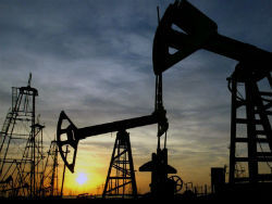 Нефть  в конце недели подорожала