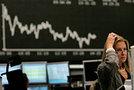 Рынок российских акций показал снижение на фоне ослабления рубля