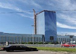 Петербург  обрастает  офисными небоскребами