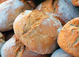 Из-за падения доходов россияне стали покупать больше хлеба