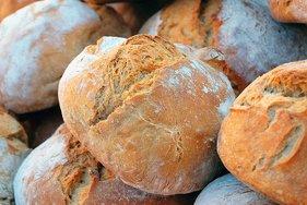 Правительство РФ выделит 5 млрд рублей производителям муки и хлеба