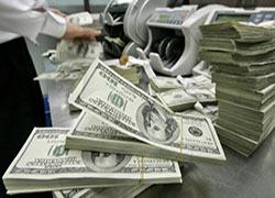 Сбербанк и ВТБ24: население заинтересовалось валютой