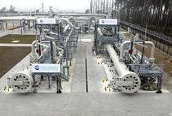 Россия обсудила с саудитами заморозку добычи нефти
