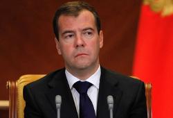Медведев обсудит с правительством ситуацию на биржах
