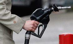 Глава ФАС:  Снижению цен на бензин препятствует падение курса рубля