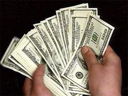 Доллар продолжает дешеветь