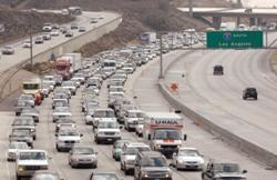 Налоги на роскошные автомобили пойдут на развитие общественного транспорта